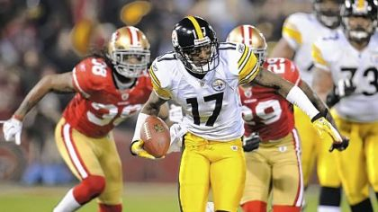 Mike Wallace in a game at San Francisco last season.