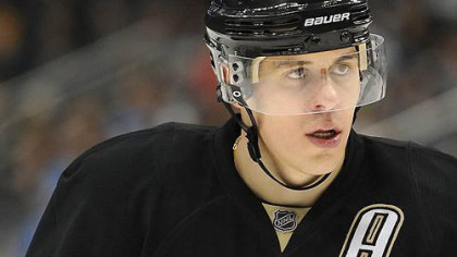 Evgeni Malkin has agreed to a contract to play for Metallurg Magnitogorsk if the start of the 2012-13 NHL season is delayed.