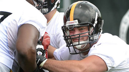 Steelers guard David DeCastro is set to have surgery on his knee and could return before the end of the season.