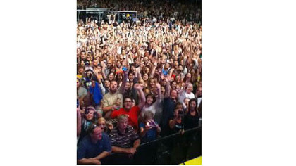 Train singer Pat Monahan turned his cellphone on the crowd and tweeted eight pictures, including this one.