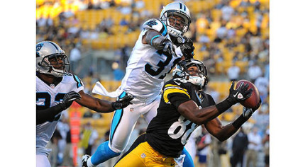 Steelers receiver Emmanuel Sanders hauls in a pass from quarterback Charlie Batch against the Carolina Panthers Thursday at Heinz Field.