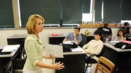 Marci Klinger speaks with students about Gateway High School's cyber school during an Aug. 24 orientation meeting.