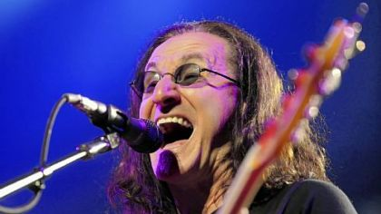 Geddy Lee performs with Rush Tuesday night at Consol Energy Center.