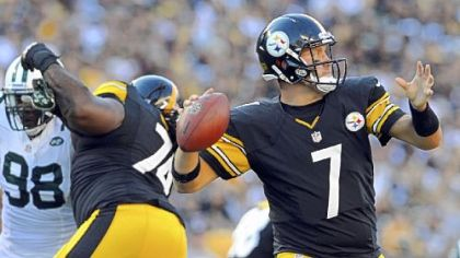 Steelers quarterback Ben Roethlisberger gets ready to pass against the Jets in the second quarter Sunday at Heinz Field.