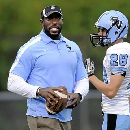 Seneca Valley linebackers coach Jason Gildon prepares for Friday's game.
