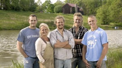 "Joe, left, Lisa, Tim, Pete and Dan King and their Middlesex farm are part of ""Farm Kings"" on Great American Country."