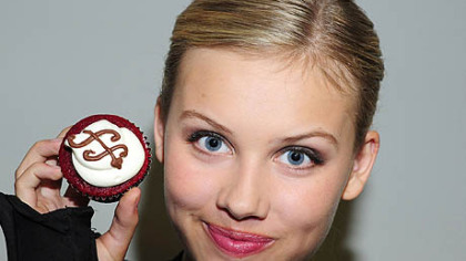 """Supah Ninjas"" actress Gracie Dzienny and her cupcakes. She bakes as many as eight dozen every Wednesday for the cast and crew as the Nickelodeon show."