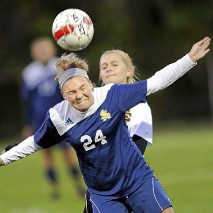 South Allegheny&#039;s Alyssa Ashcroft heads a pass to a teammate against Serra.