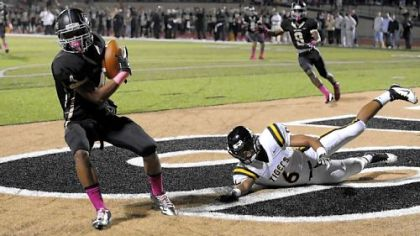 Gateway&#039;s Todd Jeter intercepts a ball in the end zone intended for North Allegheny&#039;s Elijah Zeise Friday.