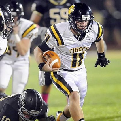North Allegheny quarterback Mack Leftwich