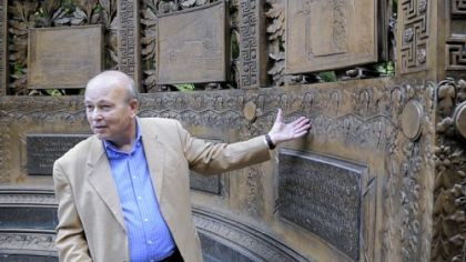 Richard Ekstrom plans to restore the George Westinghouse memorial in Schenley Park. A group of former Westinghouse Corp. employees are also in on a fundraising campaign.
