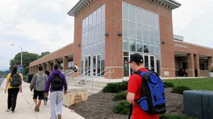 Shippensburg University's Reisner Dining Hall was renovated and expanded to change the school's dining experience.