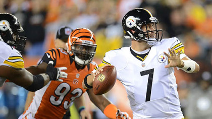 Steelers quarterback Ben Roethlisberger drops back to pass against the Bengals.