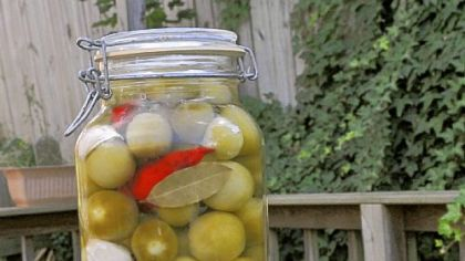 Two liters of pickled green tomatoes.