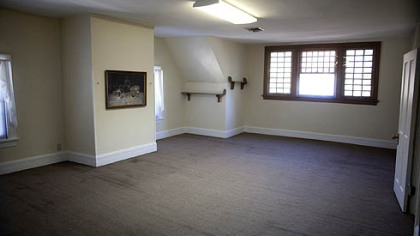 An upstairs recreational room.