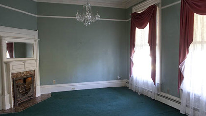 The front sitting room.