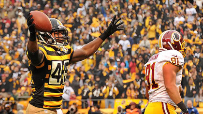 The Steelers' Leonard Pope celebrates his touchdown in the first quarter.