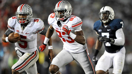 Ohio State&#039;s Braxton Miller runs the ball during a game against Penn State University.