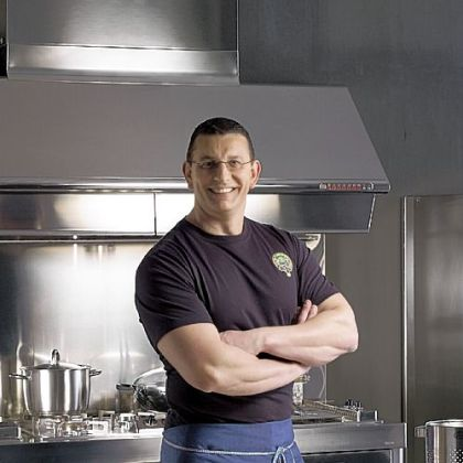 Chef Robert Irvine will be at Palace Theatre in Greensburg on Nov. 9.