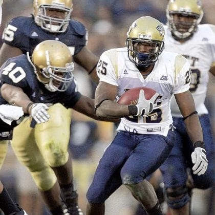 Pitt running back LeSean McCoy avoids a tackle against Notre Dame in 2008.