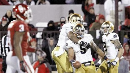 Notre Dame linebacker Manti Te?o (5) celebrates with teammates in the Irish?s win Oct. 27 against Oklahoma.