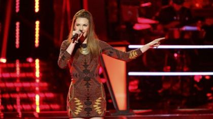 "Loren Allred sings Amy Winehouse's ""You Know I'm No Good"" to win her knockout round on ""The Voice."""