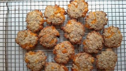 Big Bad Coconut-Apricot-Oatmeal Cookies.