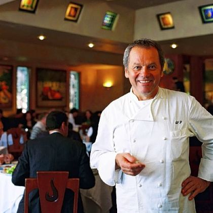 Wolfgang Puck, whose name can be found on 101 restaurants worldwide, has thoroughly reinvented his Spago Beverly Hills restaurant.