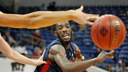 Robert Morris forward Lucky Jones passes the ball during the first half of a Preseason NIT  game Monday night against Lehigh at Petersen Events Center.