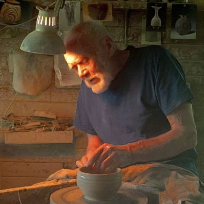 "Potter Warren MacKenzie will be seen on ""Craft in America: Crossroads"" on WQED at 9 p.m. Friday. His work  is represented in Carnegie Museum of Art collections."