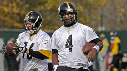Steelers quarterbacks Charlie Batch and Byron Leftwich practice Wednesday at the team's South Side facility.