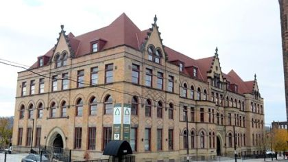 The building used for the Fifth Avenue School Lofts was built in 1894.