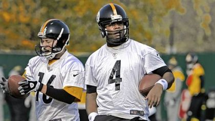 Steelers quarterbacks Charlie Batch and Byron Leftwich practiced last week at the team's South Side facility.