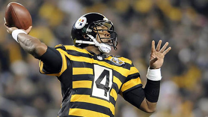 Steelers quarterback Byron Leftwich drops back to pass against the Ravens in the first quarter at Heinz Field.