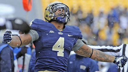 Pitt&#039;s Rushel Shell celebrates after a carry against Rutgers in the second quarter this afternoon at Heinz Field.