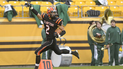 Santeaun Sims scores in Clairton&#039;s 58-21 win Friday against Sto-Rox at Heinz Field.