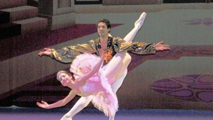 Dancing for the Laurel Ballet: Diana Sokol and Alan Obuzur.