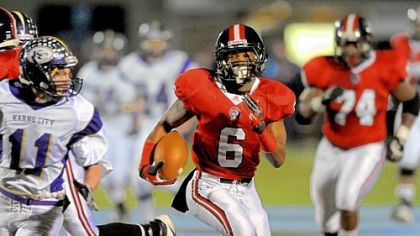 Aliquippa's Dravon Henry led a Quips rushing attack that gained 428 yards Friday.
