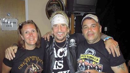 Jack Russell of Great White (center) with promoter Lou Hetzer and Lou&#039;s wife, Sue.