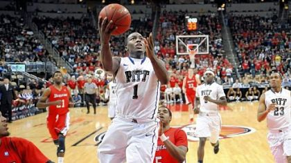 Tray Woodall drives to the basket for two of his game-high 24 points in the Panthers' victory.