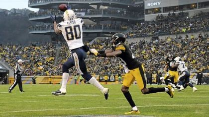 Chargers receiver Malcom Floyd pulls in a pass for a touchdown against the Steelers' Keenan Lewis in the third quarter Sunday at Heinz Field.