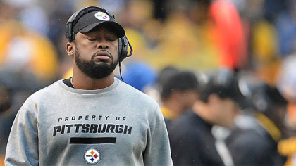 Head coach Mike Tomlin reacts after the Steelers fumble to the Chargers in the end zone for a touchdown.
