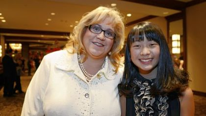 Honorary chair Laura Ditka with her daughter, Chloe, 12.