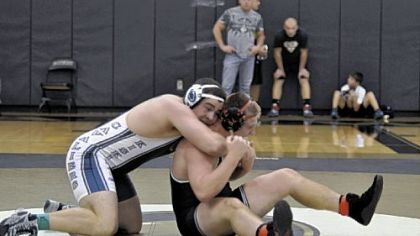 Kiski Area's Matt McCutcheon, wrestling Kittanning's Zac Coyle, is off to 6-0 start.