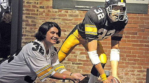 Steelers unveil Immaculate Reception monument