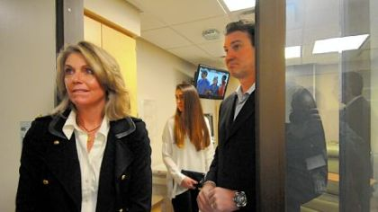 Mario Lemieux tours the new Mario Lemieux Center for Blood Cancers at the Hillman Cancer Center with his wife, Nathalie, and daughter Lauren.